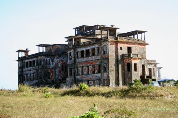 Bokor Palace Hotel (Source image  wikipedia.org)