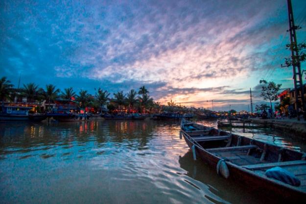 Couché de soleil au bord de la rivière - Hoi An