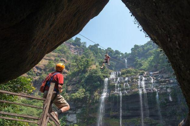 Tyrolienne au Laos