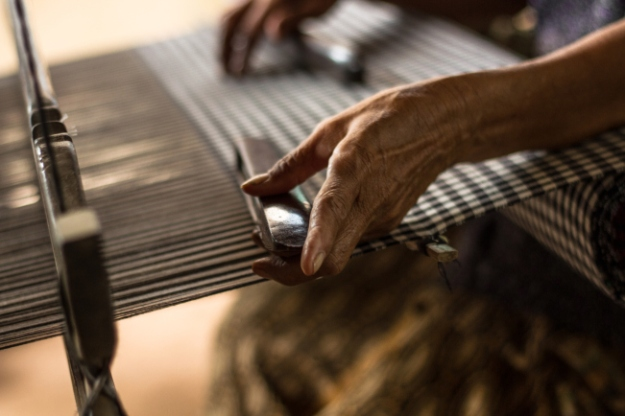 Tissage traditionnel, Cambodge